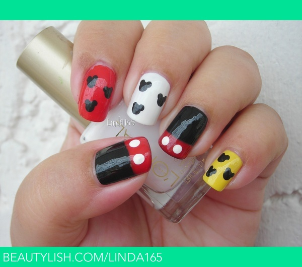 Mickey Mouse Nails | Iliana S.\'s (linda165) Photo | Beautylish