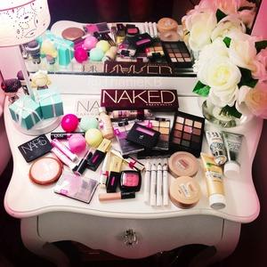 A beautiful makeup madness lol ❤