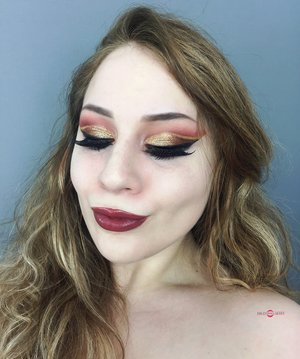 Probably the most dramatic makeup I've ever done, but...I LIKE IT! http://theyeballqueen.blogspot.com/2017/01/glamorous-dramatic-shimmery-warm-toned.html