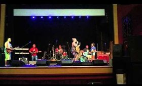 Mims gettin down with Anuhea during sound check!