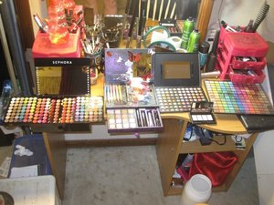 Sephora Blockbuster 2011, Urban Decay's Book of Shadows 2011, Metal Mania Palette from Coastal Scents, ELF 144 Palette, ELF transformer palette and some coastal scents duo pencils! GOOD CHRISTMAS!!!