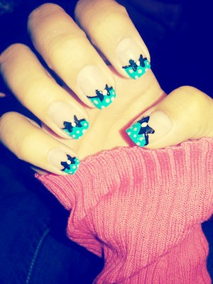 Cute bow nail design