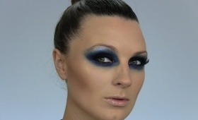 Intense Blue Smokey Eyes Tutorial