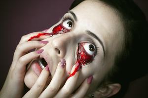 MUA: http://muamartini.blogspot.com/