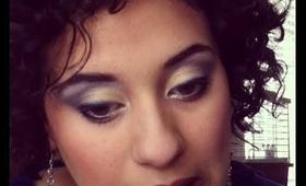 Tutorial on dark blue and gold eye shadow