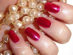 http://www.lacquerreverie.com/2013/09/sparkle-into-fall-zoya-alegra.html
