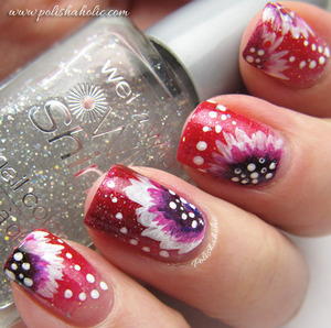 I used Flormar nail polishes U29 and U18, WnW Kaleidoscope and Oumax acrylic paint for these nails.