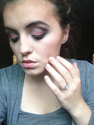 Makeup.. Concealer (light) Creme-to-powder foundation (ivory2/ivoire2) Mineral powder foundation (ivory2/ivoire2) E.l.f eyeshadows  Lips.. Nude