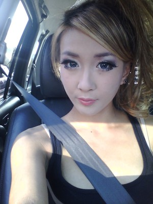 2011.10.21 I went to a Miyavi Concert and decided to go gal (I took off my outer piece in the car cuz it was warm) Top lashes are Darkness and Dolly-wink, and the bottom lashes are Diamond.