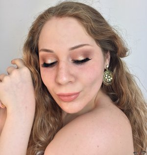 Hmmmm....I'm just....PEACHY! http://theyeballqueen.blogspot.com/2017/01/ethereal-light-peach-makeup-tutorial.html