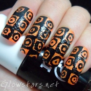 To find out more about this mani please visit http://glowstars.net/lacquer-obsession/2012/09/30-days-of-untrieds-inspired-by-a-pattern