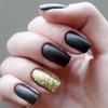 Ring finger manicure