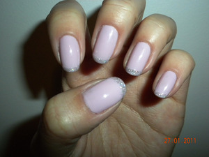 Pinkish lavendar base wih glitter tips
