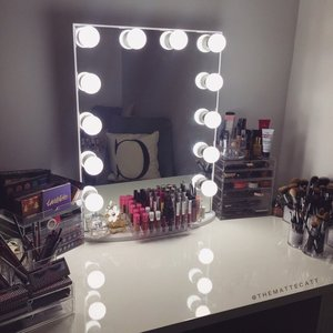 I got the XL with LED Bulbs from Impressions Vanity! So this is where I'll be spending all of my free time ✨✨✨