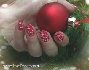 http://stampoholicsdiaries.com/2014/12/25/nails-of-the-christmas-day/