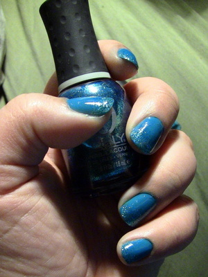 Nails: China Glaze Nail Polish in Shower Together, Orly Nail Polish in Halley's Comet, LA Colors Art Deco Nail Polish in Silver Glitter