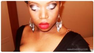 Glitter smokey eye & red lips!