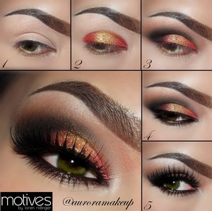 INSTAGRAM @auroramakeup  ENGLISH 1.	Apply Eye Shadow Base on both eyelids 2.	Place Pressed Eye shadow  in  Tahitian Ted Earth on both outer sides of the mobile eyelid , then place and blend  Pressed Eye shadow  in Antique Gold on the center of the ball eye . 3.	Mark your outer  socket with Pressed Eye shadow in Onix , blend the edges with Pressed Eye shadow in Cappuccino towards the brow bone. 4.	Line your top lashes with Gel Liner in Little Black Dress , line your waterline & lower lashes  with Khol Eyeliner pencil in Coffee blending the edges with Pressed Eye shadow in Cappuccino . 5.	Add Lashes Noir Fair by #houseoflashes , apply mascara Lustrafy High Definition in Onix . Highlight your brow bone and inner corner with Pressed Eye shadow in Crème Fresh . ESPAÑOL 1.	Aplica Prebase de sombras en ambos parpados 2.	Aplica sombra de ojos in rojo brillante como Tahitian Ted Earth en ambos extremos del parpado mobil , después aplica y difumina una sombra de ojos dorada como Antique Gold en el centro del parpado. 3.	Marca el pliegue externo del ojo con una sombra negra como Onix, difumina los bordes con sombra café claro mate como Cappuccino. 4.	Delinea las pestañas superiores con gel delineador negro como Little Black Dress,  delinea tu línea de agua y por debajo de las pestañas postizas con lápiz delineador café oscuro como Coffee  y difumina los bordes con sombra de ojos café claro mate como Cappucino . 5.	Agrega pestañas postizas Noir Fair de #houseofLashes , aplica mascara de pestañas negra como Lustrafy High Definition en color Onix. Ilumina el hueso de la ceja con sombra de ojos blanca con brillos como Creme Fresh .