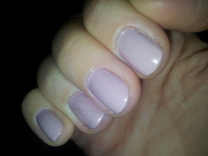 And I used a cheapy golden topcoat on the ringfinger...