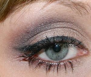 http://mariahlovesmakeup.blogspot.com/2011/11/fotd-feelin-kinda-nutty.html