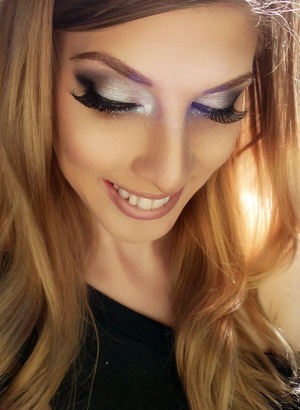 Taylor Swift Inspired Look with Velour Lashes