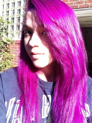 And then I decided going purple. Yes I know it looks pink but ONLY IN THE LIGHT! I used Special Effects in Pimpin Purple.