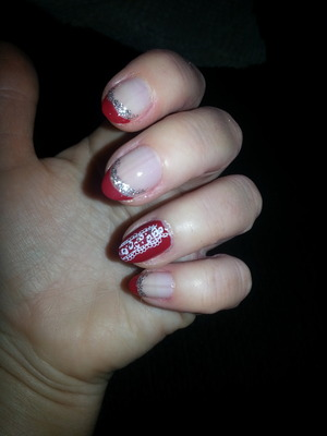 Barry M polish. knoad pattern with silver glitter pen