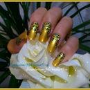 Gold Leopard Print Nails