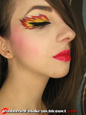 More here: http://trustmyself-make-up.blogspot.com/2012/10/rhyme-from-lime-crime.html