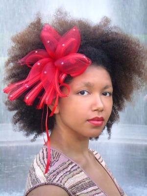 hair accessory, natural hair, neutral eye, red lip