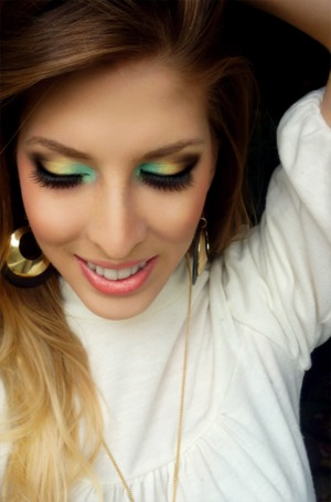 For more pictures and product info, check out: www.pigmentsandpalettes.com Tutorial coming soon!