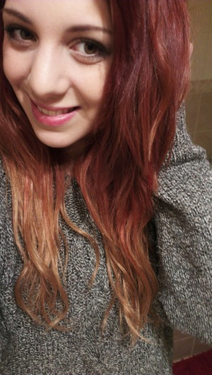 my new red ombre with hair etensions :)