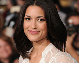 "Julia Jones Hair and Makeup, ""Twilight: Breaking Dawn Part 1"" Premiere 2011"