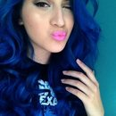blue hair and pink pop lips~