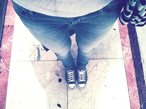 Love my new Pull&Bear jeans and converse shoes.