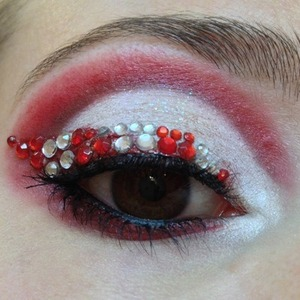 I created a Christmas themed look as I felt the spirit in the air, it's that or the Christmas carols are seeping into my brain. I wanted to do a sparkly but not too kitschy representation of a Candy Cane and incorporate snow for an excuse to use Eye Kandy Marshmallow sprinkles and to go with the Christmas motif.  http://michtymaxx.blogspot.com.au/2012/12/candy-cane-in-snow.html