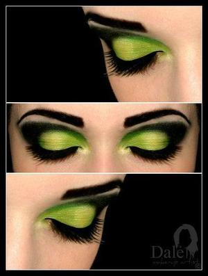 This make-up was requested by my best friend to her halloween party, so i did the green make-up because it's her favourite color ever, i must admit she was the greenest of them all xi xi..