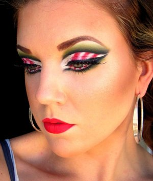 Candy Cane cut crease