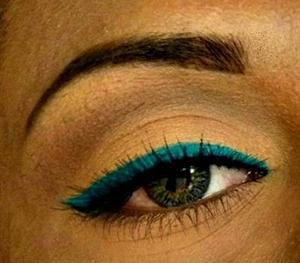 http://cheezzmakeup.blogspot.in/2011/11/wearable-teal-liner-look.html