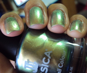 Duochrome goodness! and Chanel Peridot dupe