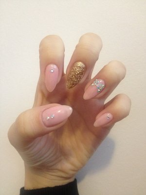 Nude pink natrual stiletto nails
