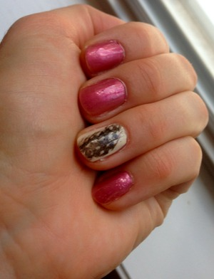 For this manicure I used:  Maybelline Color Show - Canary Cool OPI - Mauve-Lous Memories  And feathers from Michaels!