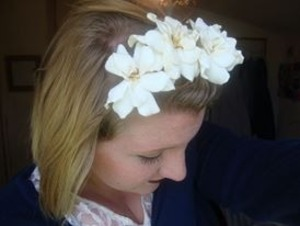 Actually, I just picked up some gardenias, pulled off the bottom petals, and bobby pinned them in!
