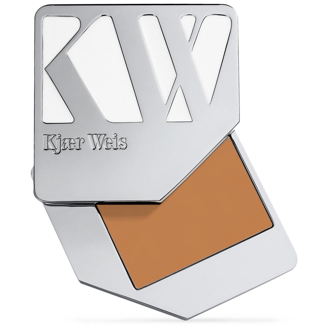 Kjaer Weis Cream Foundation Dainty alternative view 1.