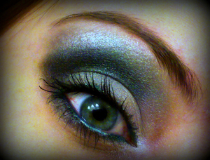 Super Smokey look that I called Under the Sea. There is some dark green but unfortunately my camera didn't capture that :(