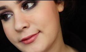 .Make-Up Tutorial: Purple Smoky Eyes (English).
