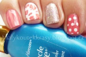 http://malykoutekkrasy.blogspot.cz/2013/09/nail-art-podle-cutepolish-2-pretty-in.html#more