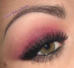 Here is the tutorial for this look :