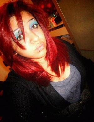 Red hair , Purple and Blue Eye Shadow , reminded me of the little mermaid lol  used the 120 palette by SHANY cosmetics . you can get it on amazon =*