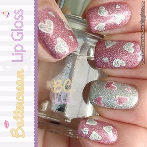 Valentine's Mani - Pink & Silver Holographic Hearts  http://www.buttercreamandlipgloss.com/2013/02/gallery-nails-of-week-valentines-day.html